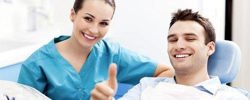 Denti a rischio per 3 mln di italiani: per salvarli basta un semplice test e lavarli per 4 minuti